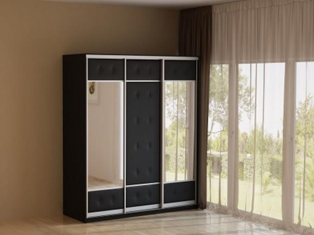 Черный шкаф-купе 3-х дверный  Неро/Сезия зеркальный